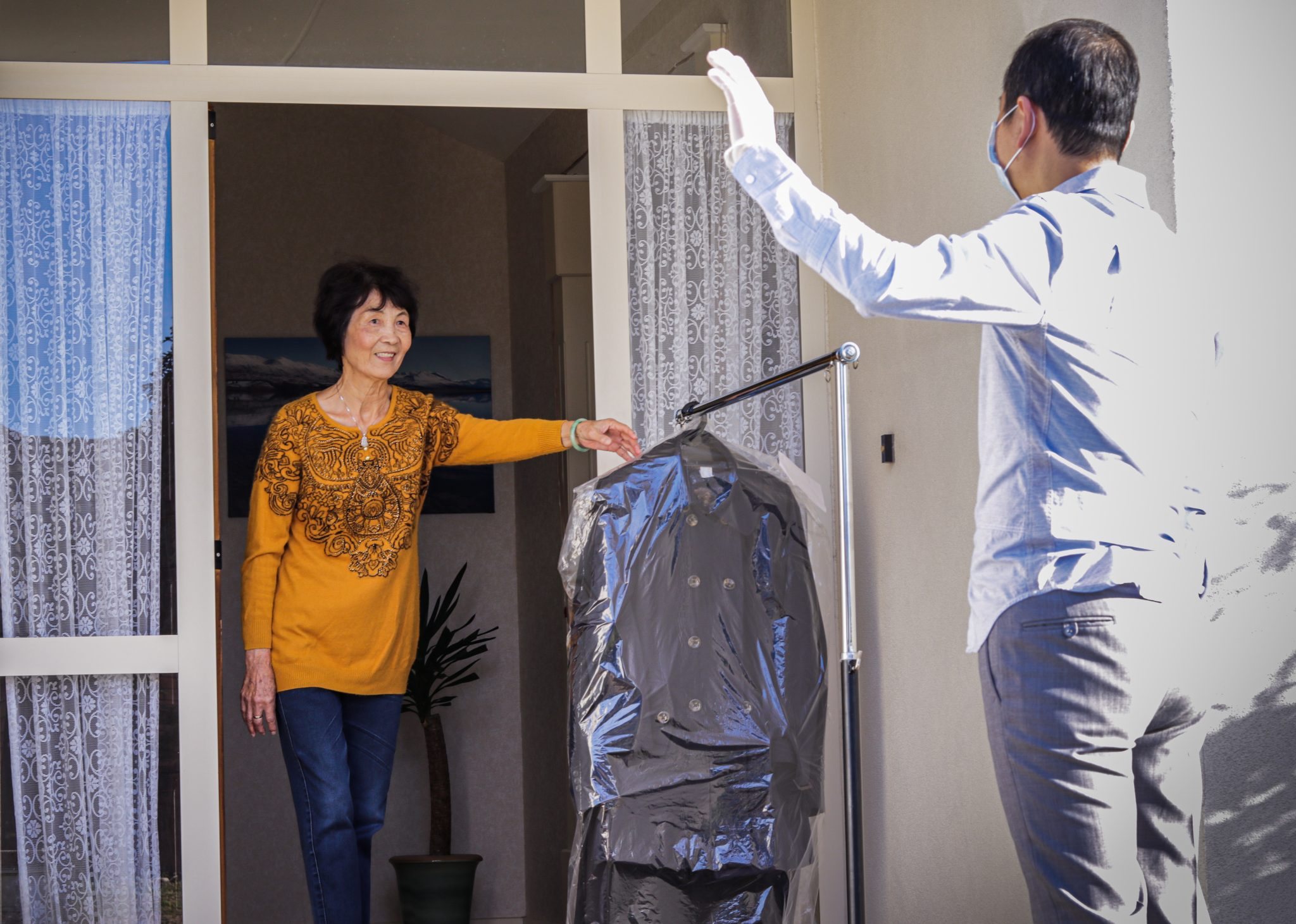 pickup delivery dropoff service drycleaning cleaning covid-19 contactless